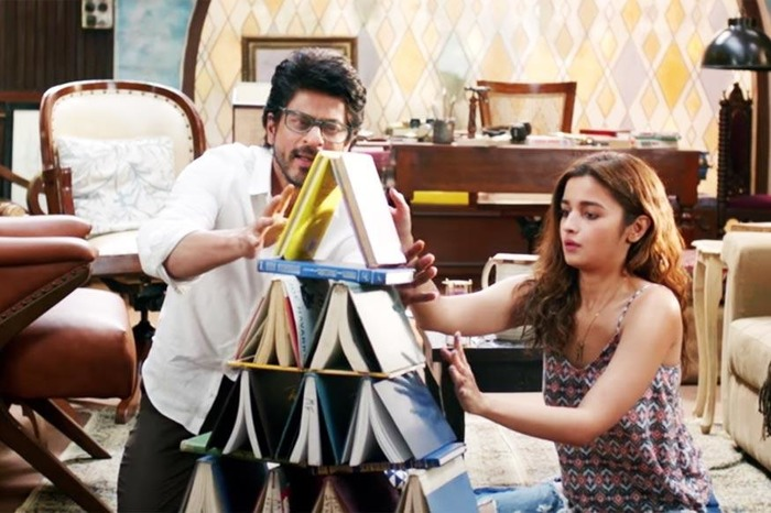 Dear Zindagi Movie Review: Embrace Your Life Like Never Before With This Gauri Shinde Masterpiece