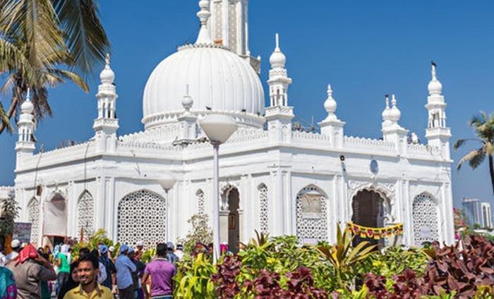 Women To Re-Enter Haji Ali Dargah After 5 Years