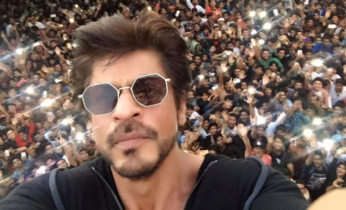 B-town Wishes Its Favourite Star SRK A Happy 51st Birthday