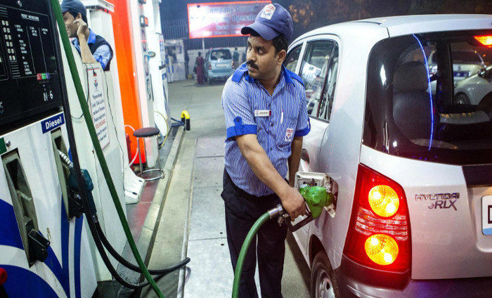 Demonetisation: Petrol Pumps Take On The Role Of ATMs