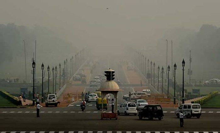 Air Quality Alarming, Delhi Faces Worst Smog In 17 Years