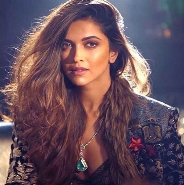 5 Photos Where Deepika Is Taking Her Benarasi Fashion Game A Notch Higher