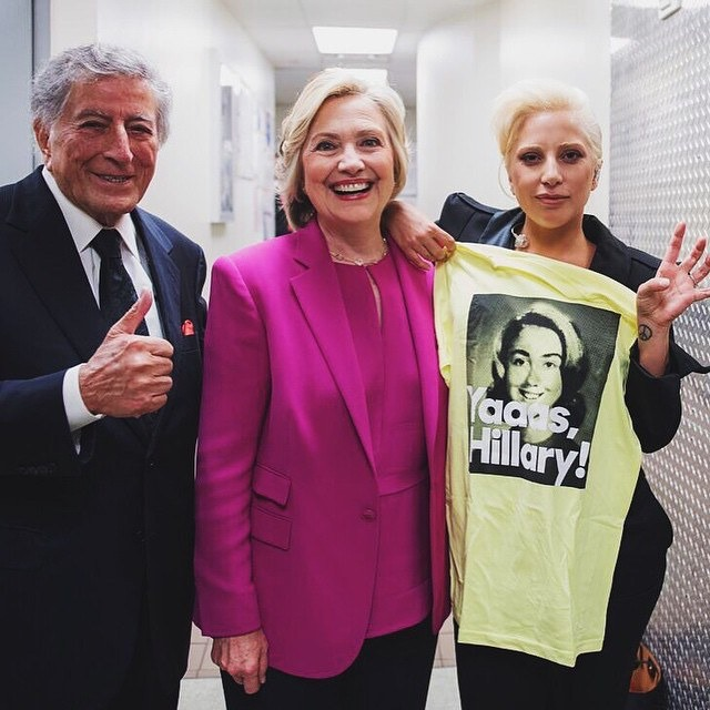 10 Hollywood Stars Who Are Supporting Hillary Clinton