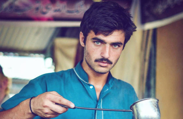 This Pakistani 'Chai-Wala' Will Instantly Boost Your Love For Tea