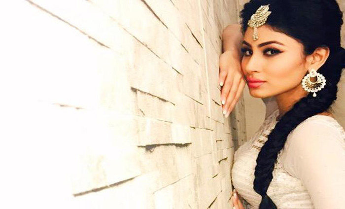 Mouni Roy Is Not Dismayed By The Criticism For Naagin
