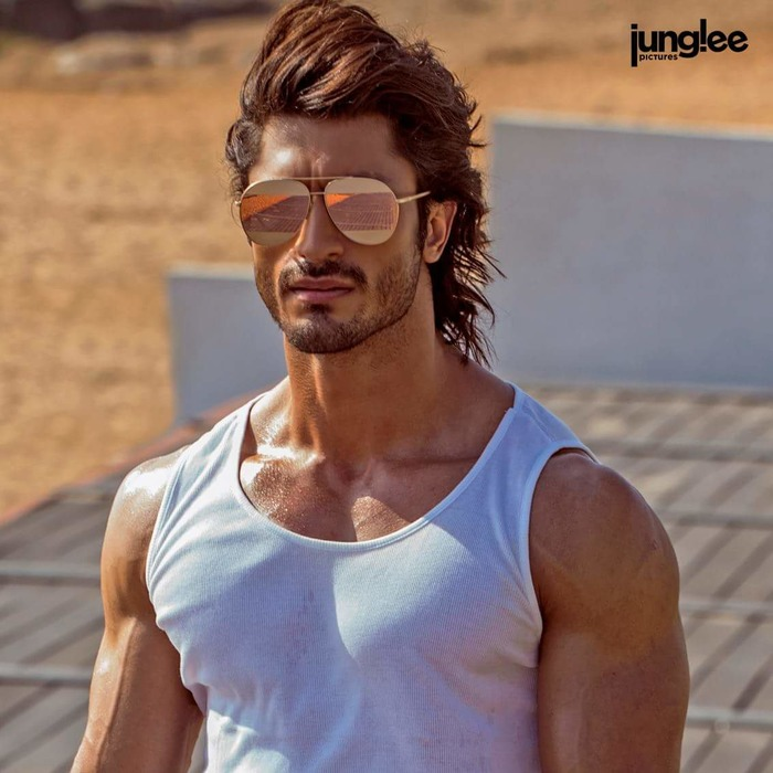 Poster Out: Vidyut Jammwal's Look For Junglee Revealed
