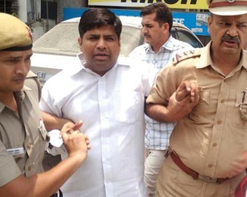 Shocking: Kejriwal Slams Modi On Twitter Over Mohaniya's Arrest, Emergency State In Delhi