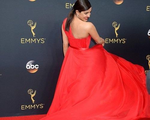 Priyanka Chopra Woos Hearts In 'Crimson' At 68th Emmy's Award *DROOLS*