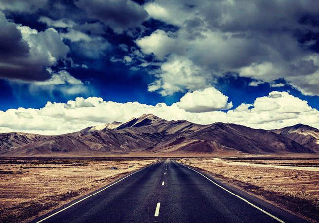 10 Amazing Highways In India That You Have To Travel On Once!
