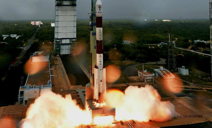 Indian PSLV Rocket Lifts Off With 104 Satellites