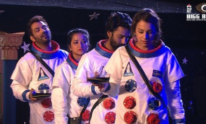 Bigg Boss 10: Manu And Manveer Qualify For Ticket To Finale