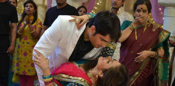10 Things That ONLY Happen In Indian TV Soaps!