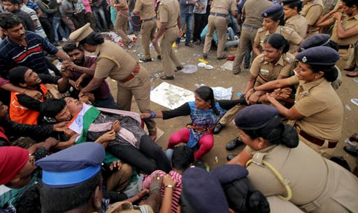 Jallikattu Protests: Police Vs 'Anti-Social Elements' Who Is To Blame For The Violence?