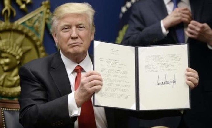 #MuslimBan: All You Need To Know About Donald Trump's Executive Order