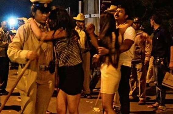 Bangalore's Shame: Mass Molestation Of Women On New Year's Eve Amid 1,500 Policemen