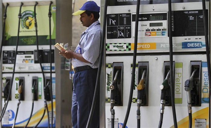 Petrol Pumps To Stop Accepting Card Payments From Monday