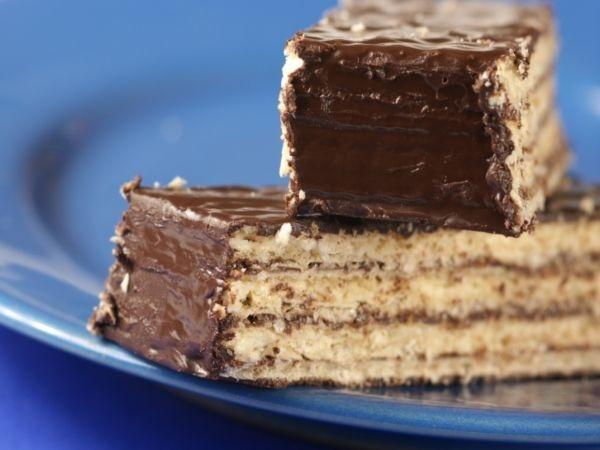 Glucose Biscuit Chocolate Cake