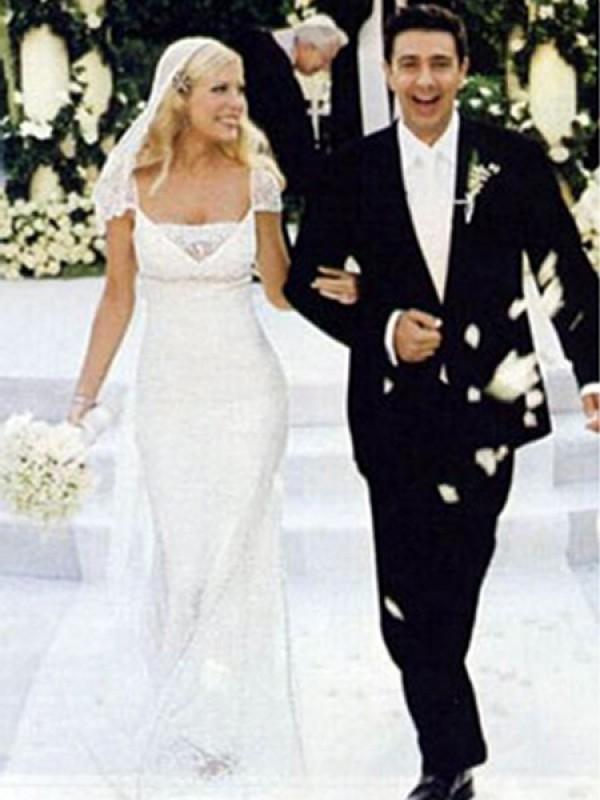помощью фото свадебного платья тори спеллинг дорогие изделия