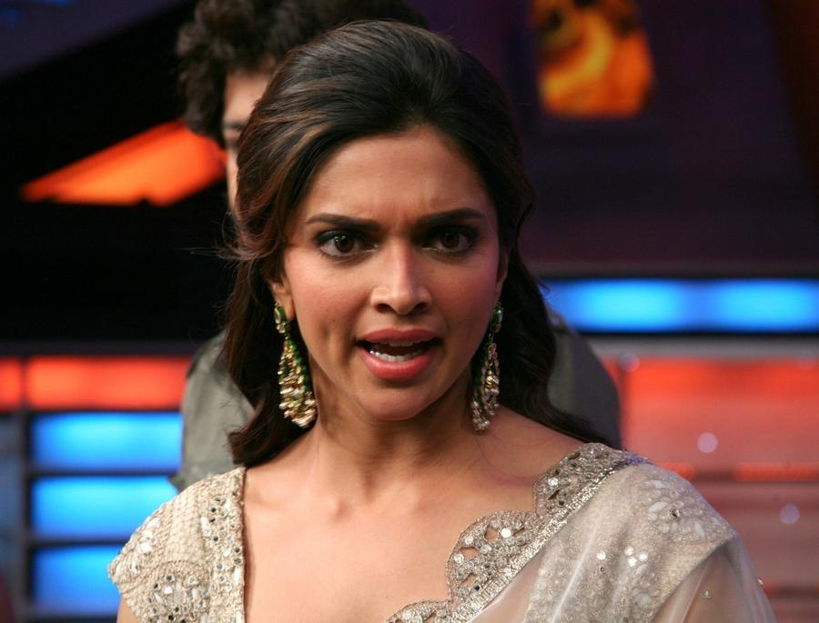 5 Photos Deepika Padukone Does NOT Want You To See ...