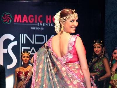 BOLLYWOOD CELEBUZZ: VJ-Model Pooja Misrra - Bridal Photo Shoot