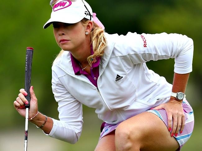 10 Mesmerising Golf Beauties - Indiatimes.com