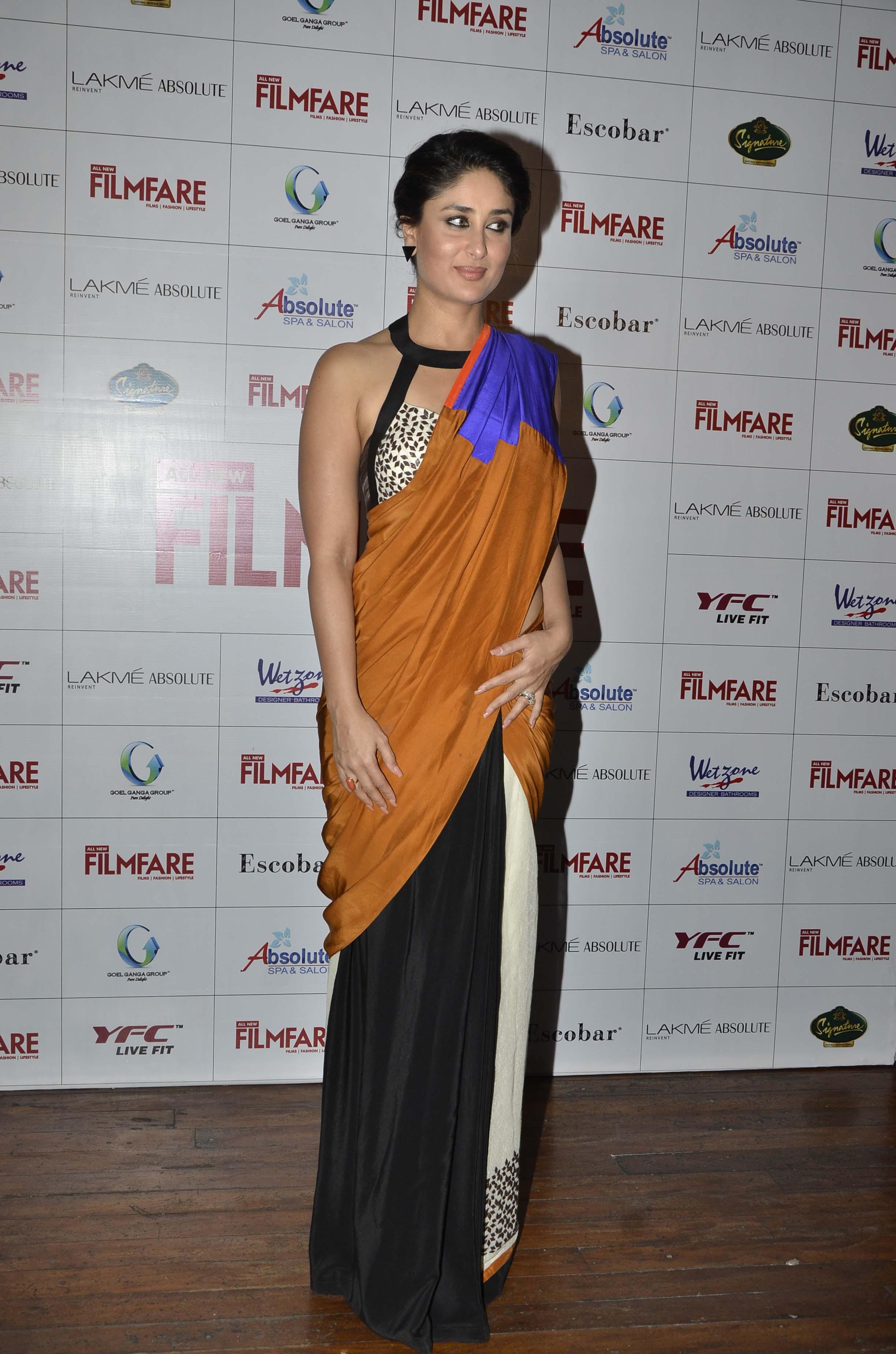 Kareena Gives The Saree A Sexy Twist - Indiatimescom-5767