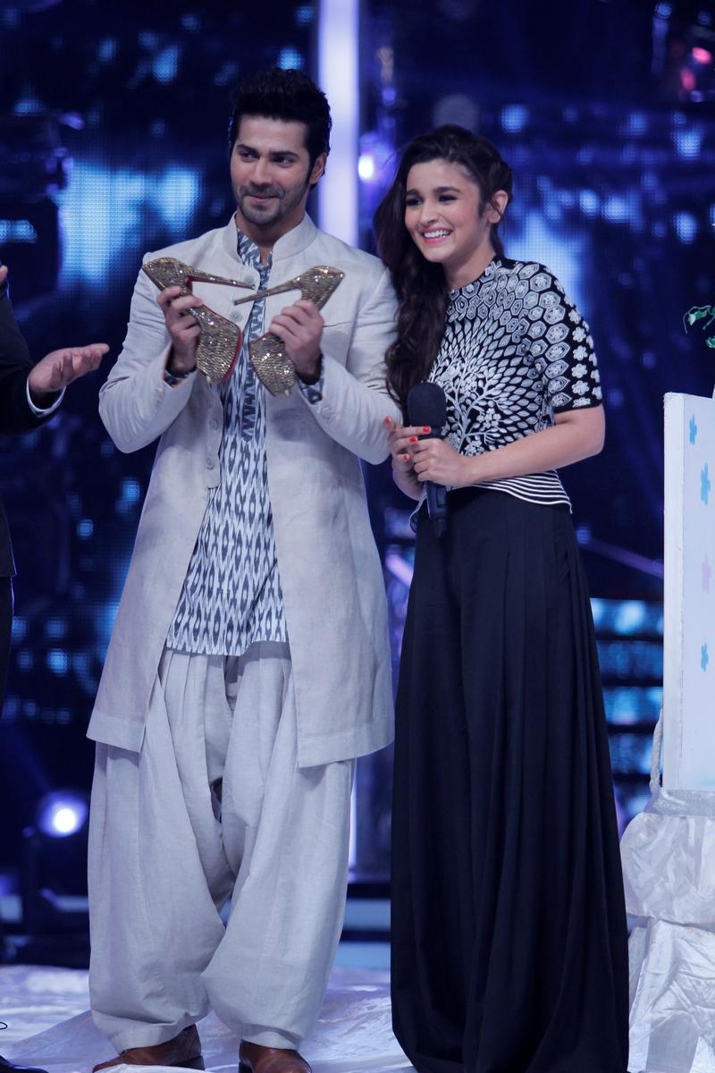 Varun Dhawan and Alia Bhatt on Jhalak Dikhhla Jaa 7