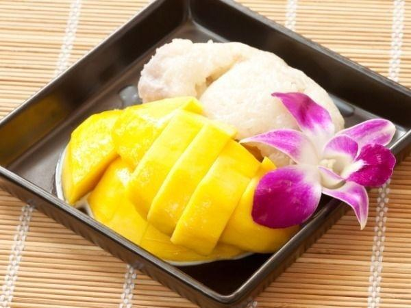 Reasons Why & How You Should Eat Mangoes This Summer