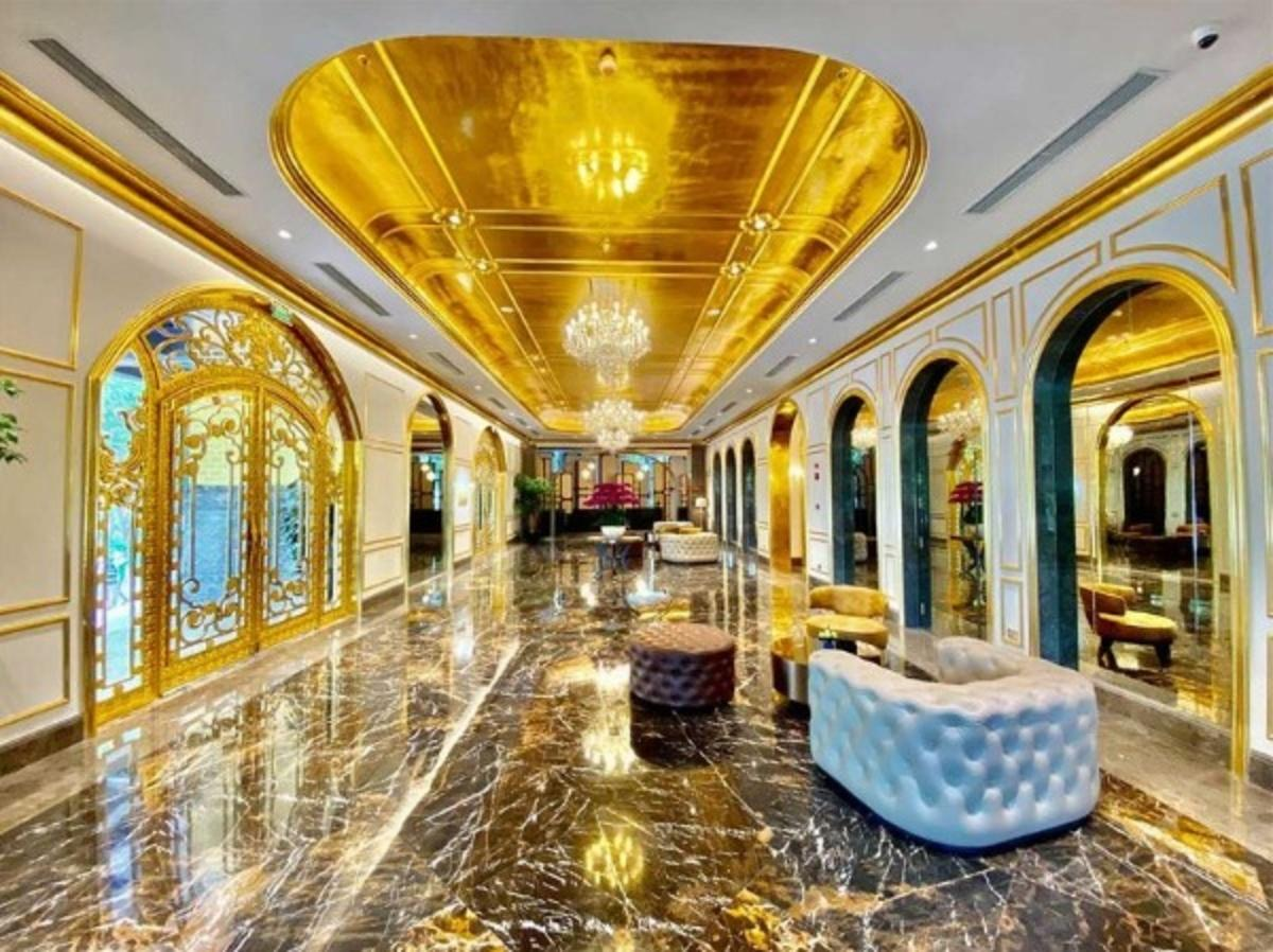 World's First Gold-Plated Hotel