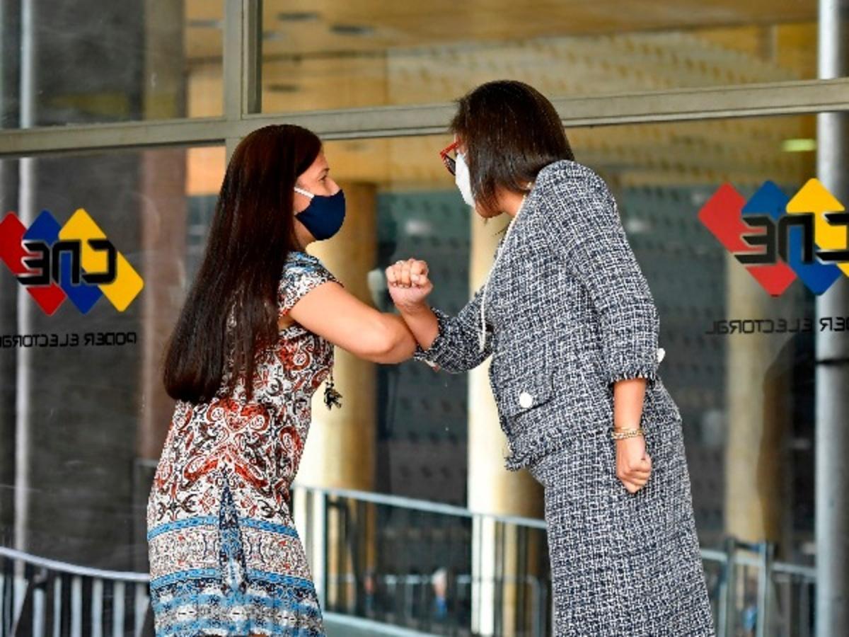 Greeting amid coronavirus