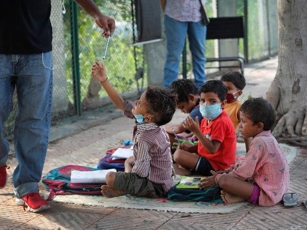 Couple Gives Classes To Underprivileged Children