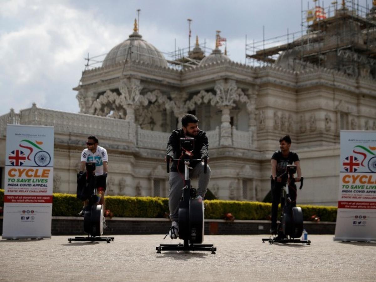 People ride cycle to raised fund for india at Shri Swaminarayan Mandir