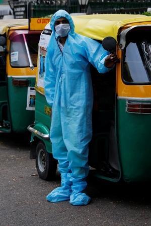auto ambulance service delhi